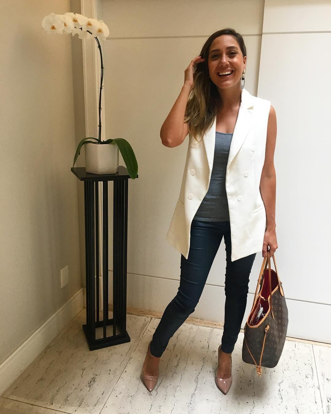 Como usar calça branca no dia a dia | Camila Gaio