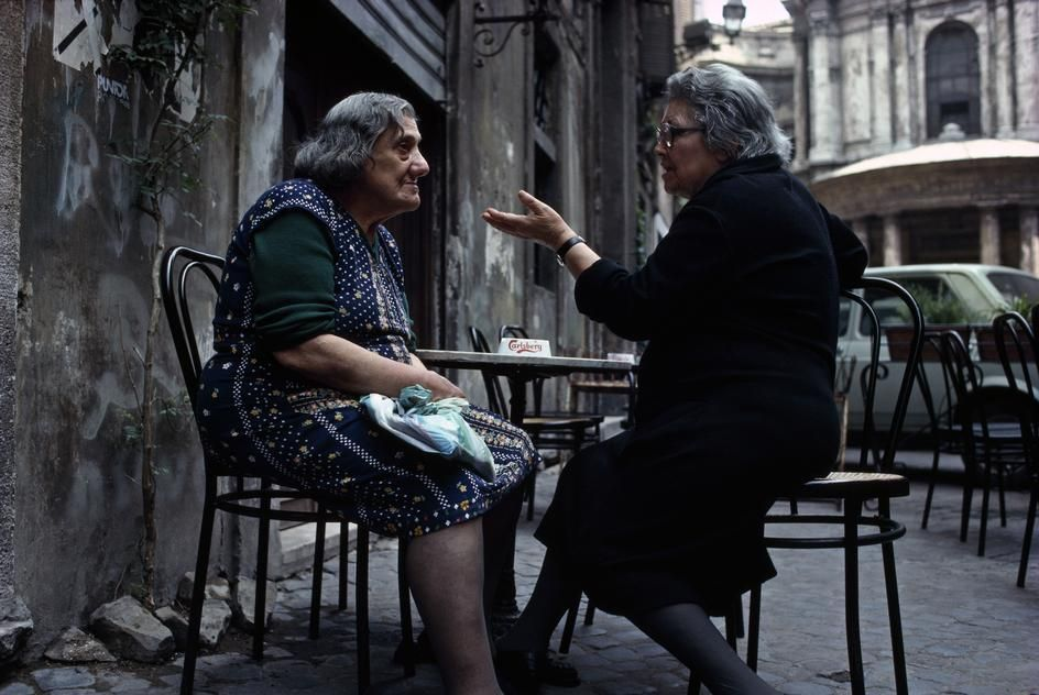 Thomas Hoepker ITALY, Rome, 1984. Cafe scene in Trastevere