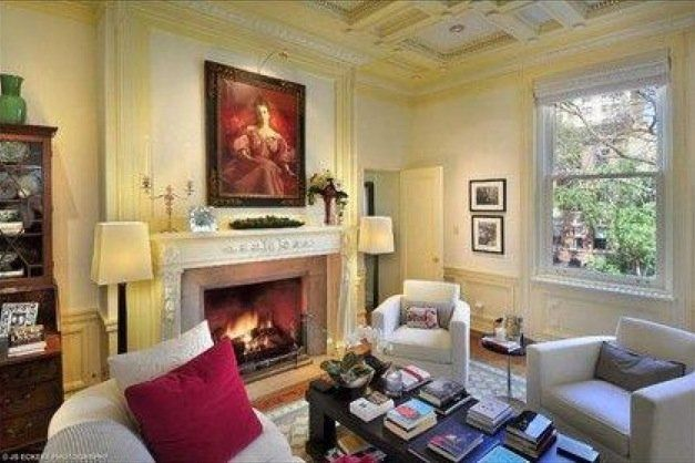 High End Bachelor The Once Playboy Mansion Now Private Condos