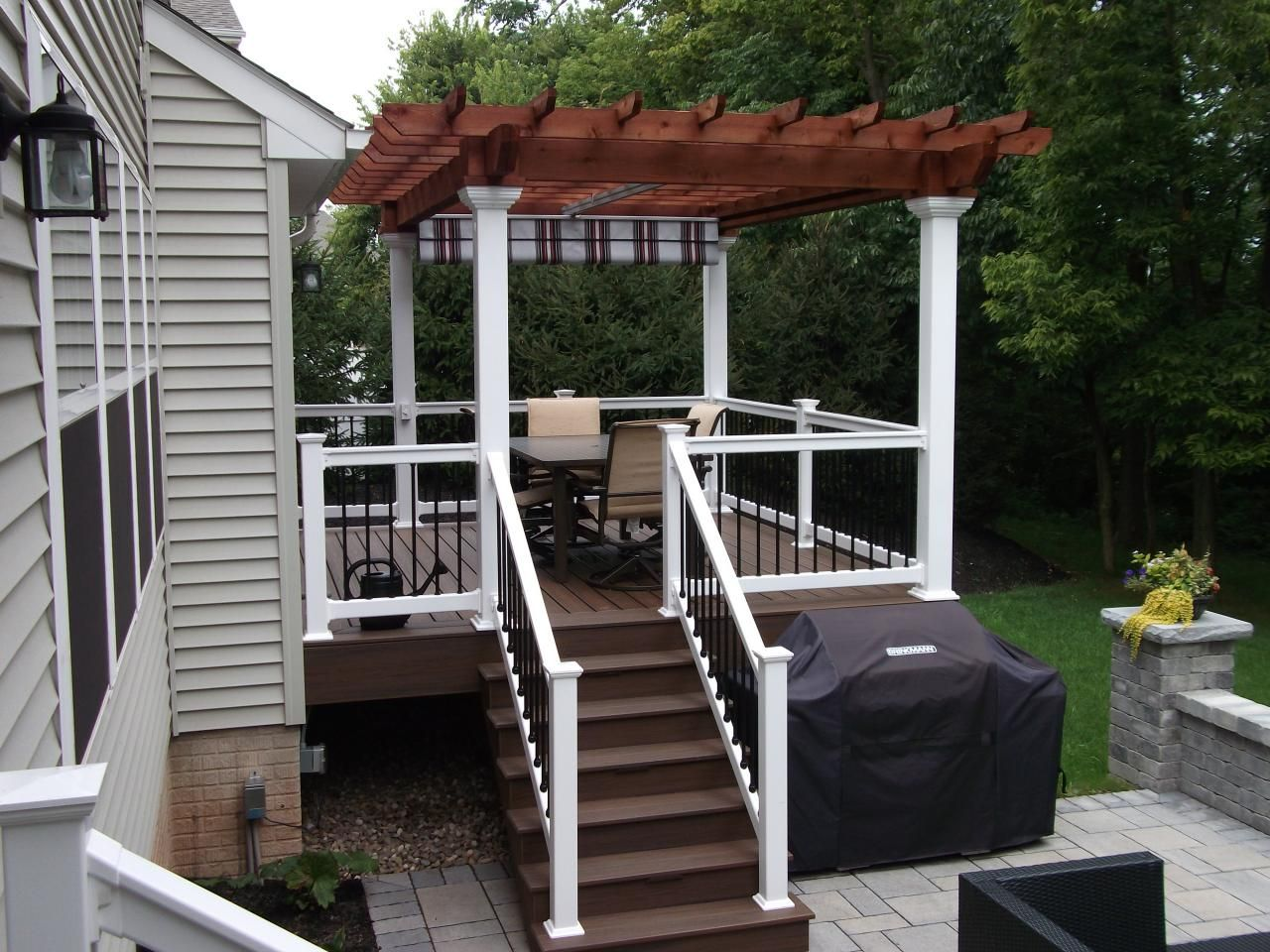 Cedar pergola with white Vinyl posts retractable canopy Trex deck with White Vinyl rails & Cedar pergola with white Vinyl posts retractable canopy Trex ...