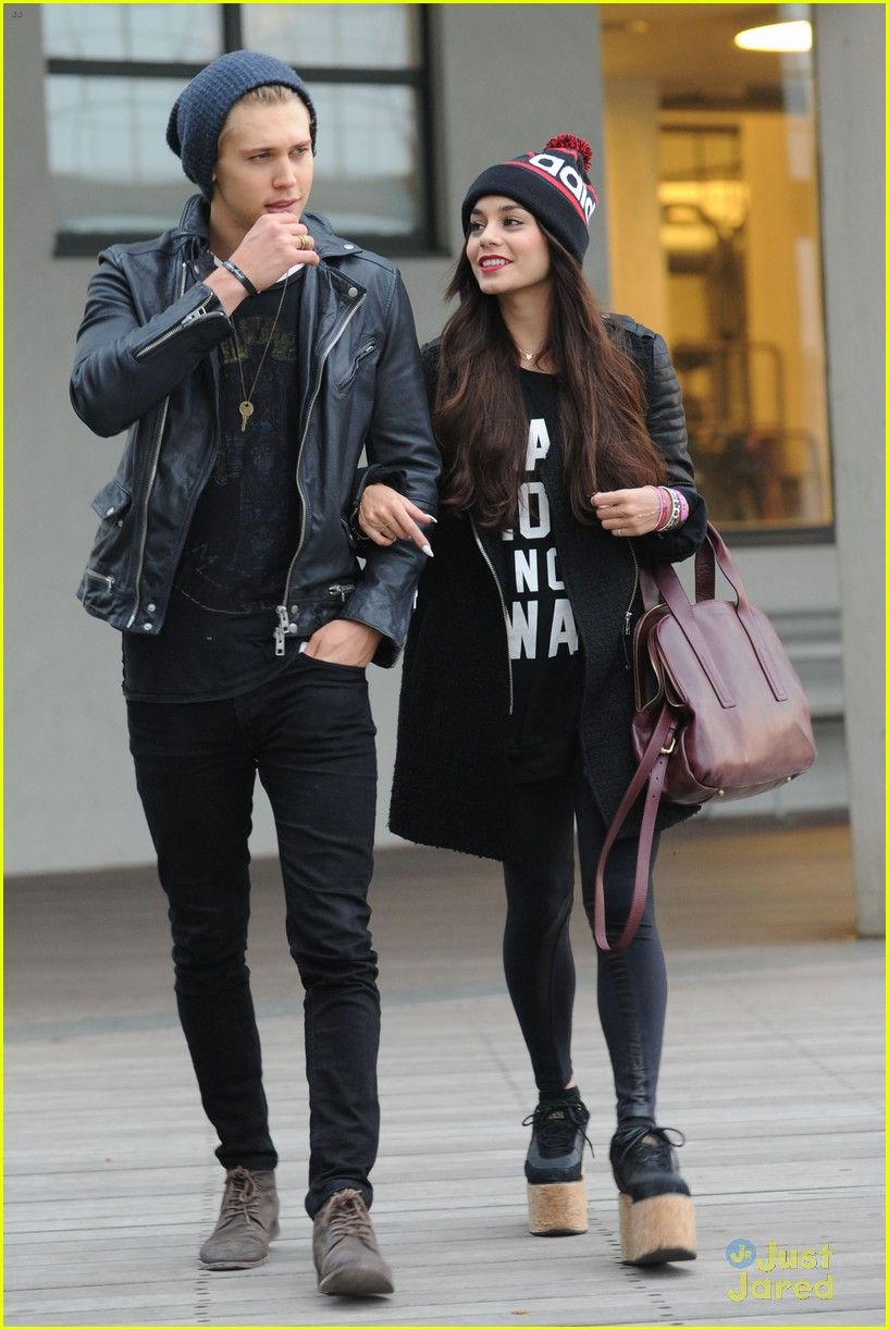 Vanessa hudgens and austin butler casually
