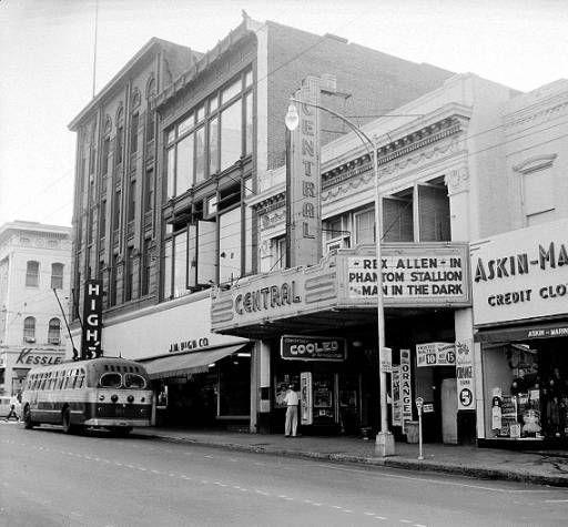 Central Theatre Central Theatre 104 Whitehall Street Sw Atlanta Ga 30303 Vintage Movie Theater Movie Marquee Theatre
