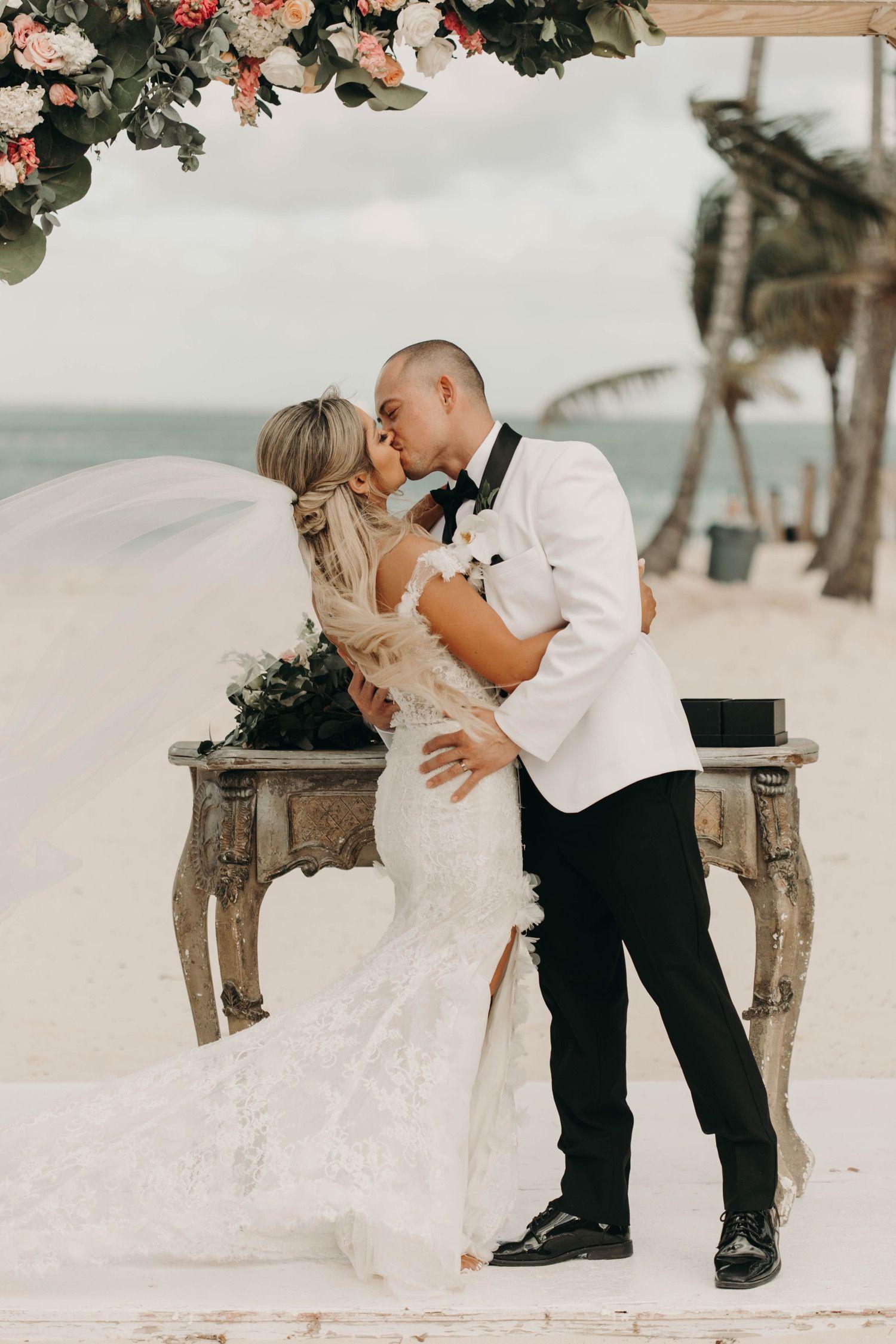 Destination Wedding In Punta Cana In 2020 Orange County Wedding Photographer Orange County Wedding California Wedding Photographers