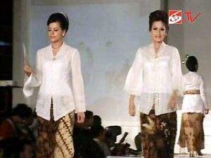 395+ Ide Model Baju Kebaya Lama Paling Bagus