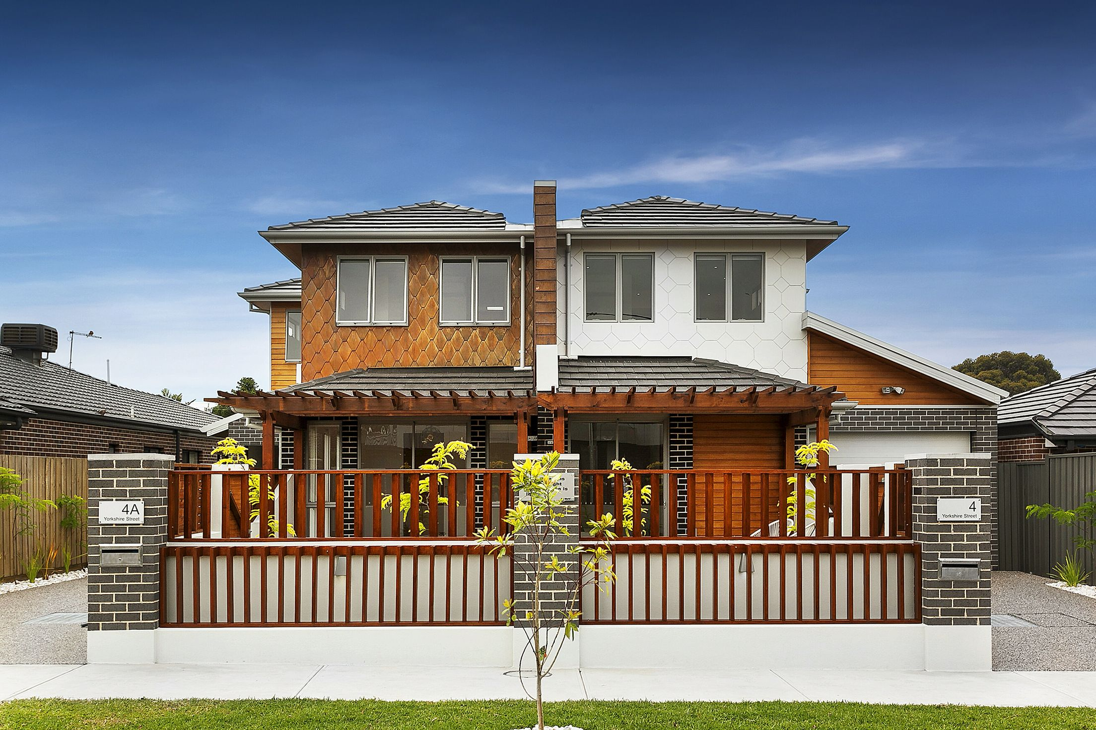Two side by side 2 story units townhouses in Pascoe vale Melbourne ...