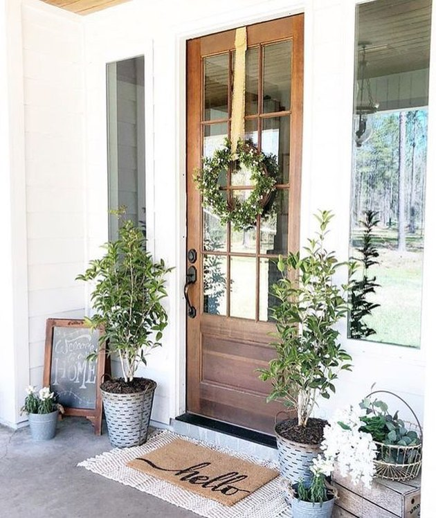 Layered Doormats Are The Hottest Trend To Hit Your Front Door Front Porch Decorating Farmhouse Front Door House With Porch