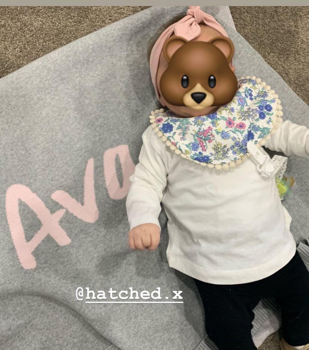The cutest newest Hatched Bib, Ava 🥰 . Ava is wearing 𝓑𝓪𝓫𝔂 𝓑𝓵𝓾𝓮𝓼 Bebe Bib, Crochet Dummy Clio & Bebe Headband 🥰🥰🥰 . Thank You @rania.xriri  for sharing . .