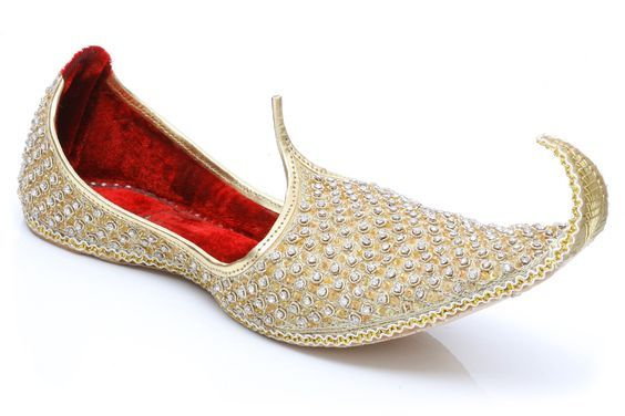 673413e0ad63 Stunning Khussa slippers for the groom to feel royal