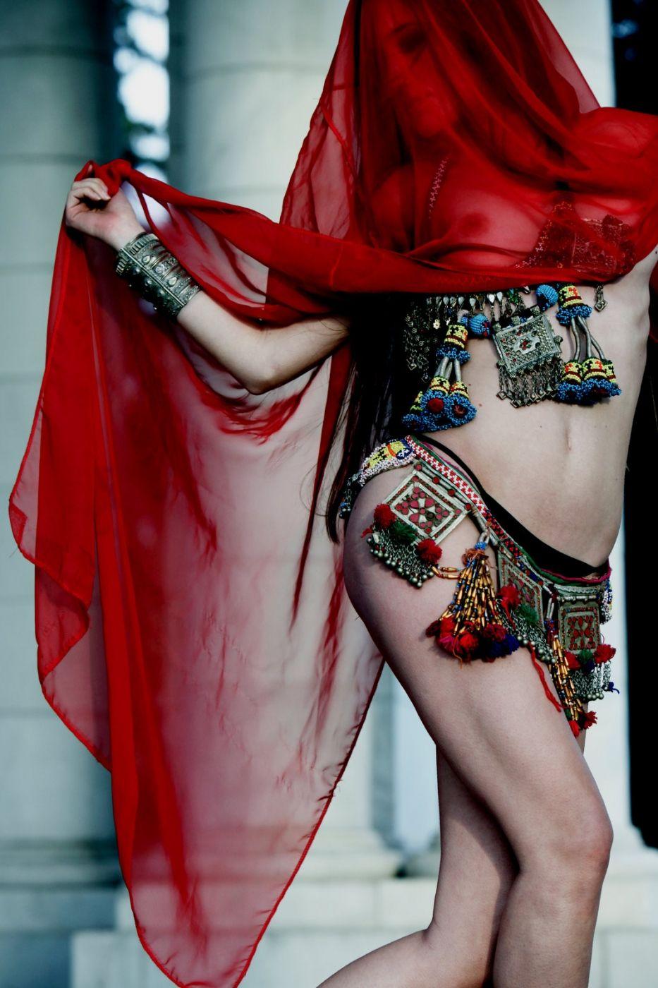 Taryn Andreatta Nude Photos 20