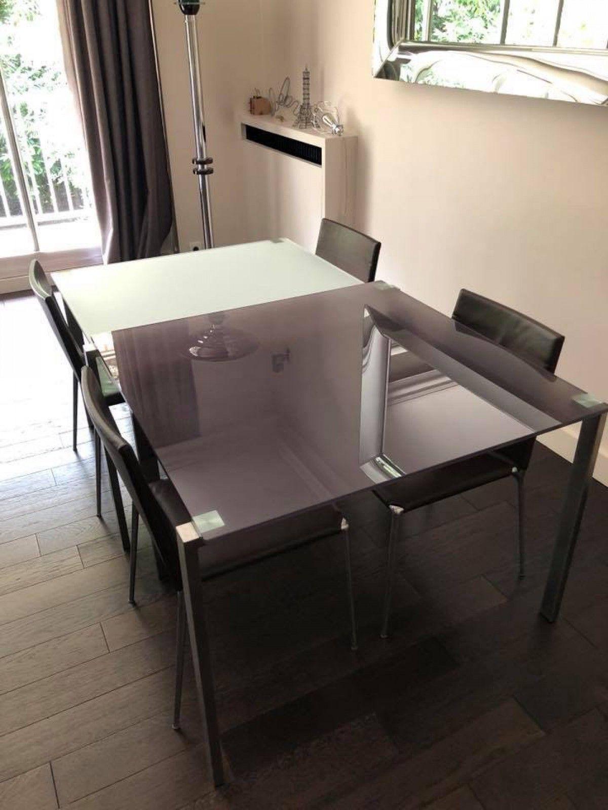 Bonjour Je Vends Une Table Jean Nouvel 1 2 Avec 2 Plateaux 1 Blanc Opaque L Autre Gris Fume Chaque Plateau Fait 1 X Maison Art Deco Mobilier Design Mobilier