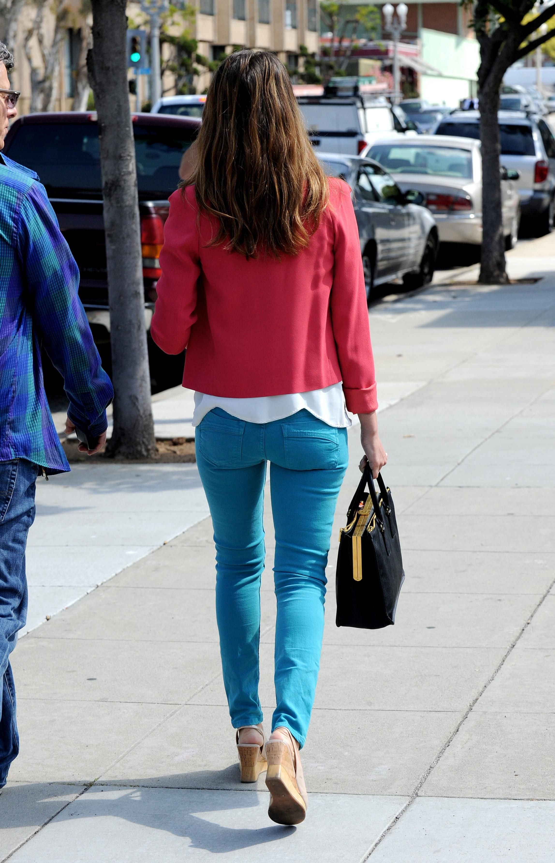 Jessica Alba Was Wearing Pink Blazer And Turquoise Jeans Including Her Fucking Booty