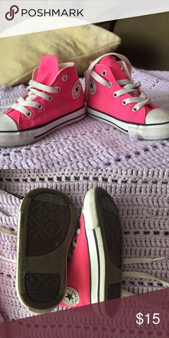 aa723b31eb2b Toddler girls hot pink converse Toddler size size 7 hot pink high top  converse. Used