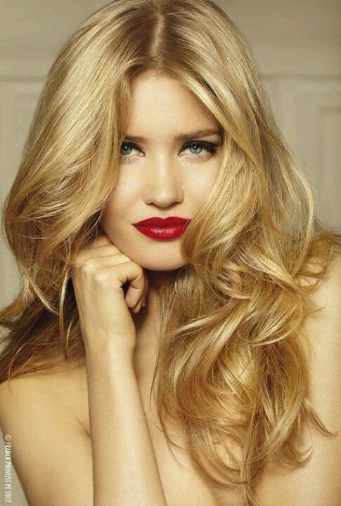 Golden Blonde Hair And Highlights And Red Lipstick Beauty