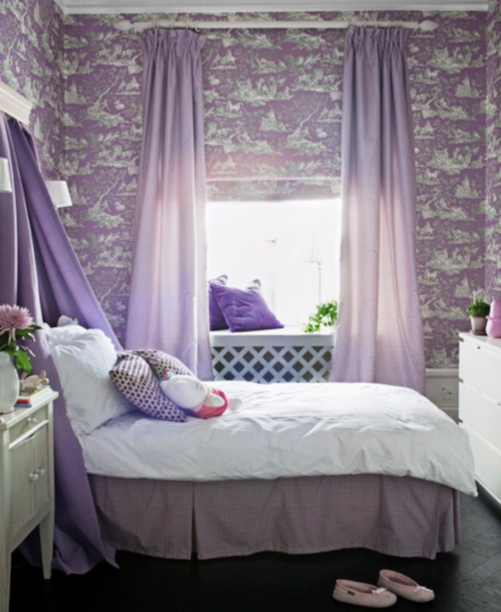 Delicieux #Kids Room : Purple Bedroom For A Girl With Purple Curtains Also Black  Flooring And White Cabinet Plus Comfy Bed Design Ideas: Amazing Girls Room  Design ...