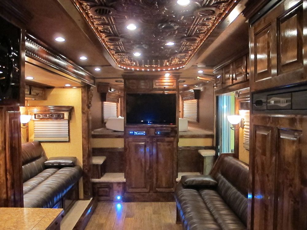 Living Quarter Horse Trailer Built By Outlaw Conversions