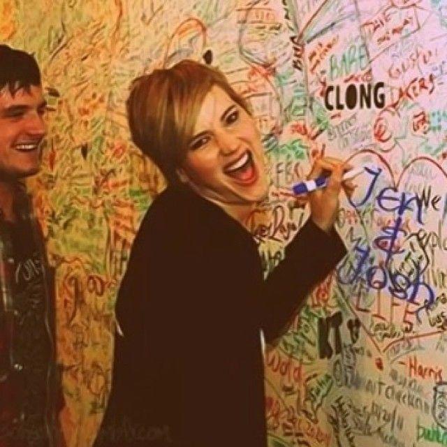 "Joshifer - The Hunger Games - Jennifer Lawrence - Josh Hutcherson ""Jen and josh"""