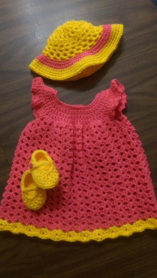 This FREE Crochet Mary Jane Booties Pattern is the perfect touch to ...