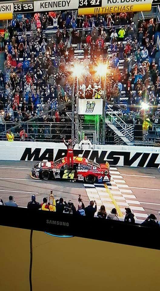 Jeff Gordon winning at Martinsville Speedway Nov 1 2015