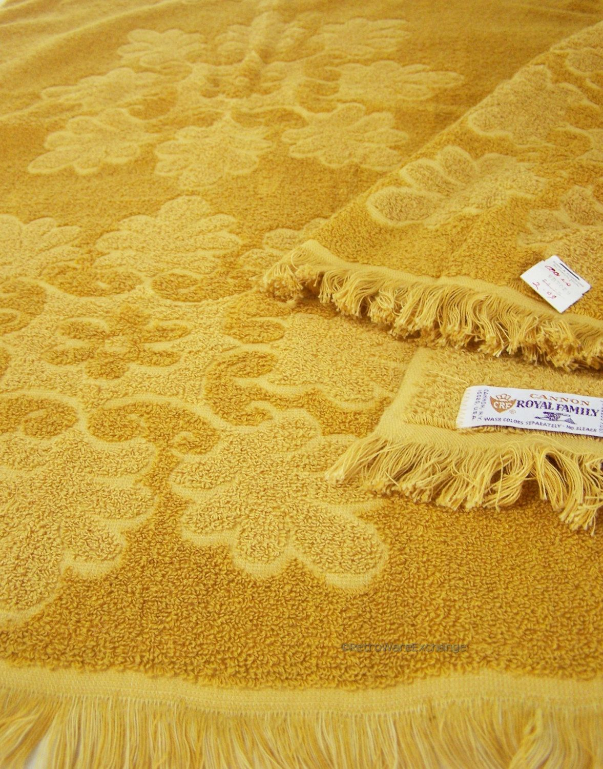 Vintage Mid Century Cannon Royal Family Gold Bath Towels 2