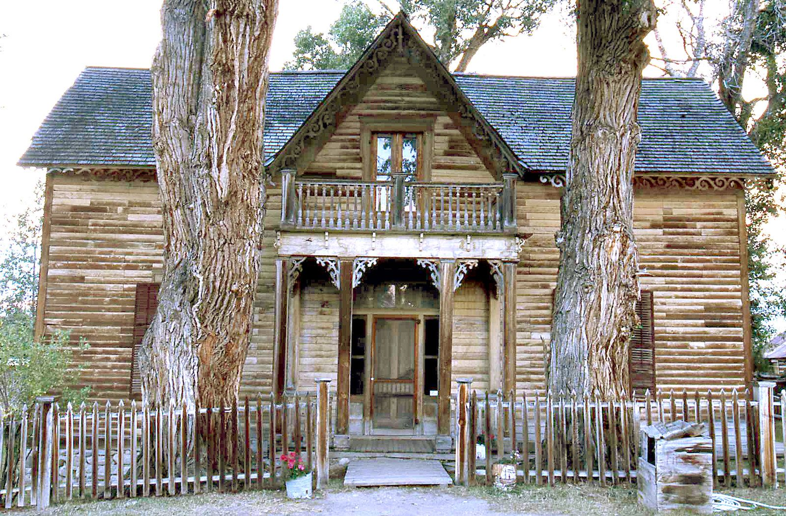 Life At A Montana Mountain Lodge Nevada City Montana A Ghost Town Worth Seeing Nevada Ghost Towns Ghost Towns Abandoned Houses