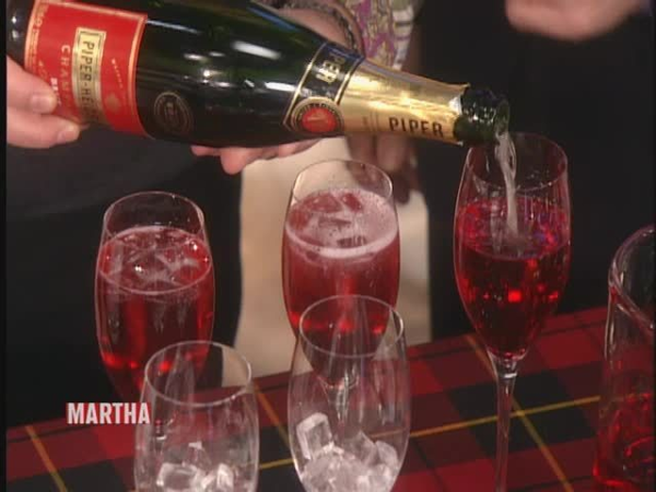 Emeril's Party-Ready Cranberry and Vodka Cocktail | Shine Food - Yahoo She Philippines