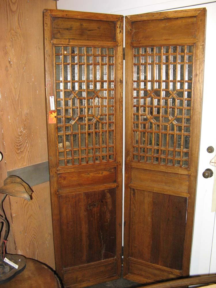 Chinese Antieke Tv Kast.Pair Of Antique Chinese Doors With Antiqued Silver Mirror Behind