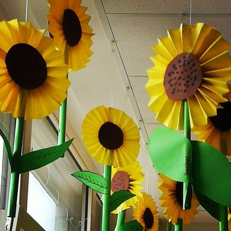 So ist die erste Klassenzimmerdekoration für das neue Schuljahr fertig .. 🌻 #instateacher … – Kunst – Blumen