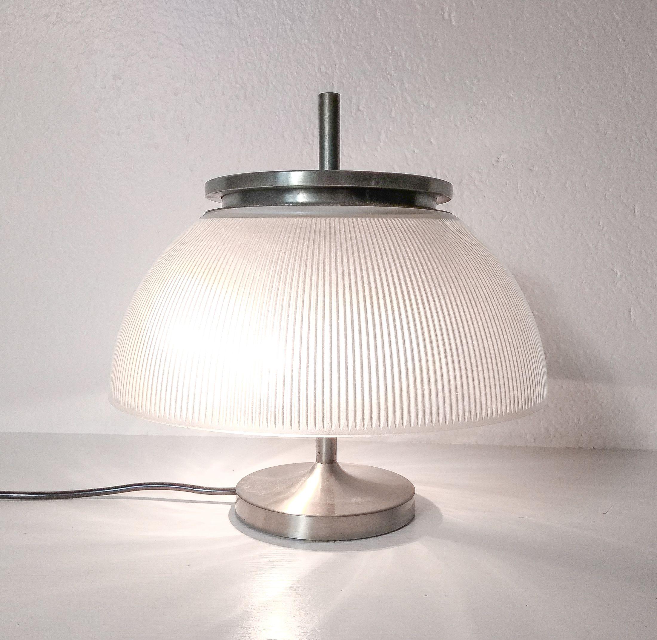 Lampada Da Tavolo Di Design Alfetta Di Segio Mazza Per Artemide Italia Anni 60 Lampade Da Tavolo Lampade Design