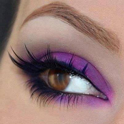 Maquillaje para ojos color cafe