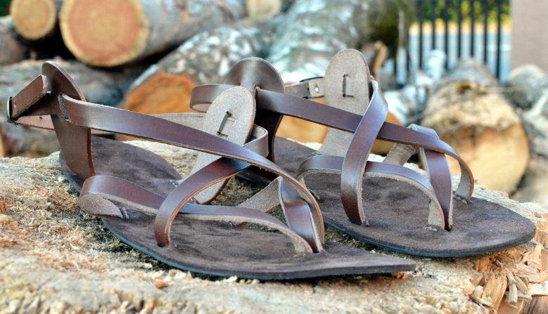6b6842df22e6 Kvalitní ručně vyráběné barefoot sandály s tloušťkou podrážky pouhé 2 mm.  Vyzkoušejte chůzi v takzvaných