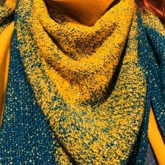 #crochet #crochetshawl #mossstitch #mossstitchcrochet #mossshawl #skyebazaar #ombreyarn #goldglitter #ombreyarnuk #mech #chustaszydełkowa #szydełkowanie #lovetocrochet #lovetocreate #magnoliahandmade #etsyseller #etsyshop #etsy