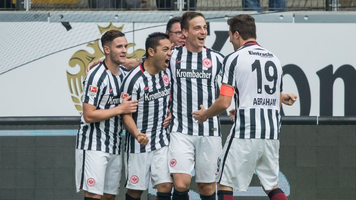 Marco Fabian continues hot streak with chest goal against