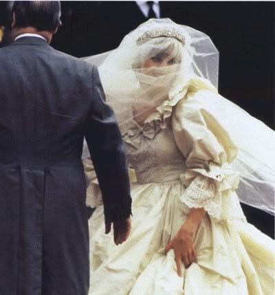 Diana looking like a perfect royal bride 1981