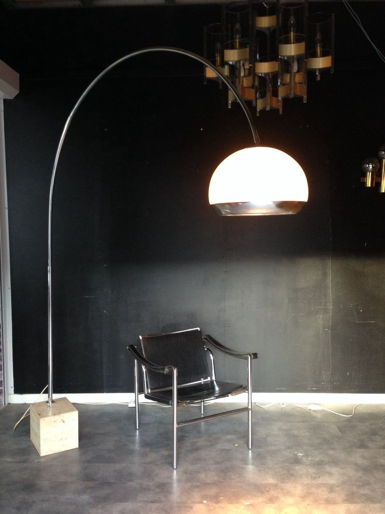 vendu lampe arc harvey guzzini hods antiques design pinterest arcs de tir appartements. Black Bedroom Furniture Sets. Home Design Ideas