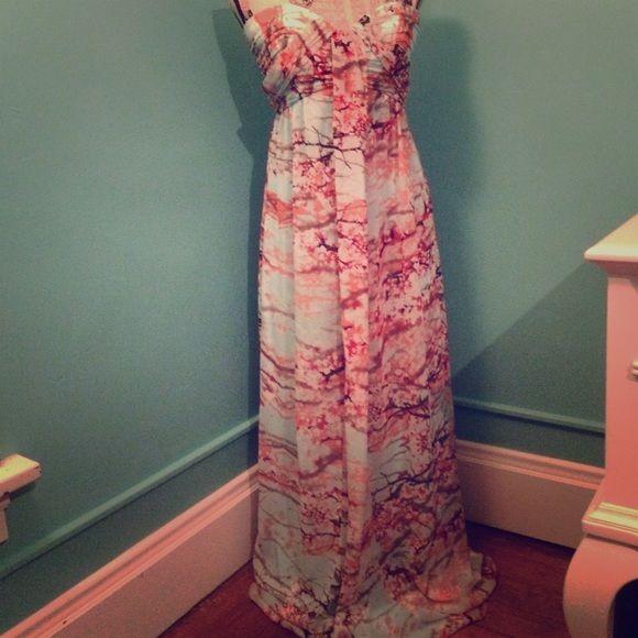Jessica Simpson dress Very good condition Jessica Simpson dress. Only worn twice. Jessica Simpson Dresses