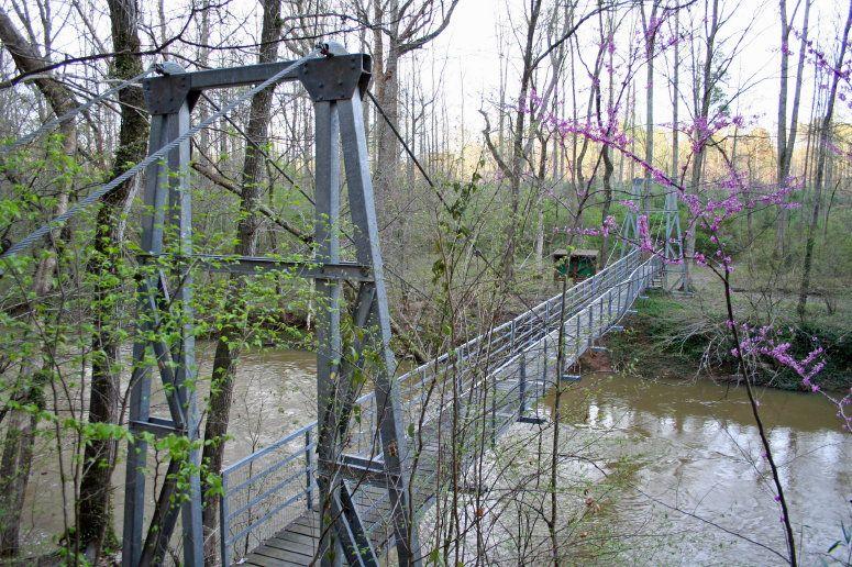 Audobon Acres suspension footbridge (Tennessee