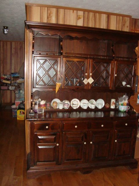 Ethan Allen Old Country Style Hutch