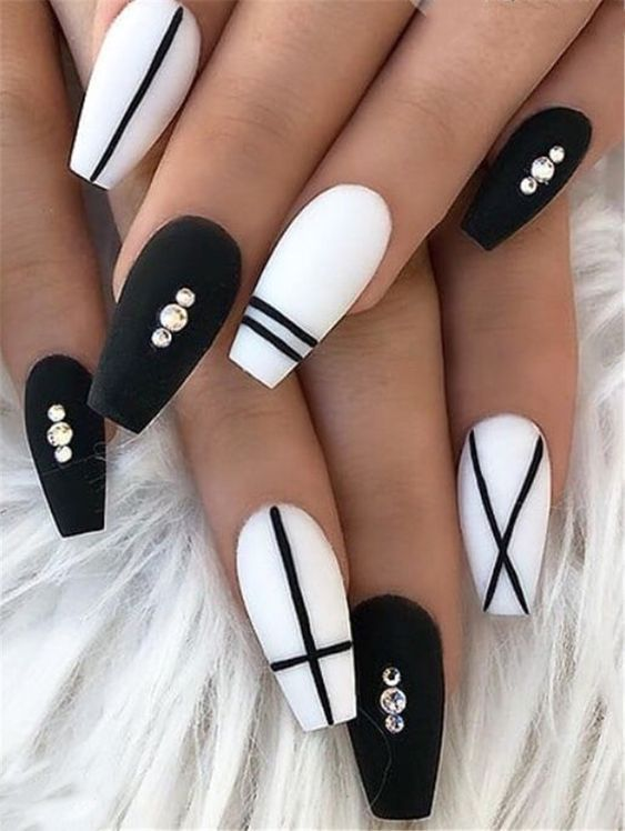 30 Unique Coffin Nails Are Definitely Your Choice Nails Natural Nails Solid Color Nails Acrylic Na Fall Acrylic Nails Best Acrylic Nails Black Coffin Nails