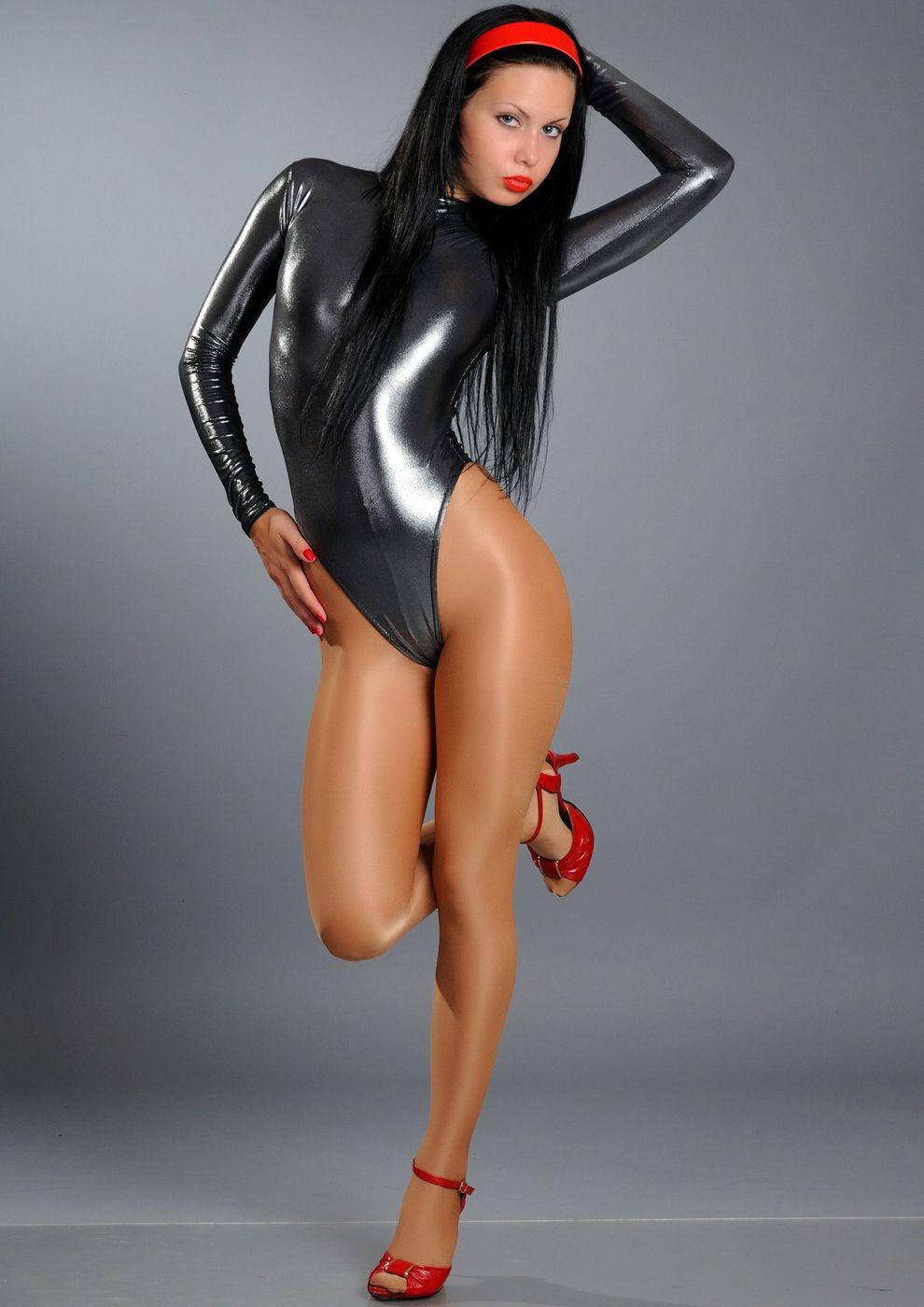 Nude bondage pics