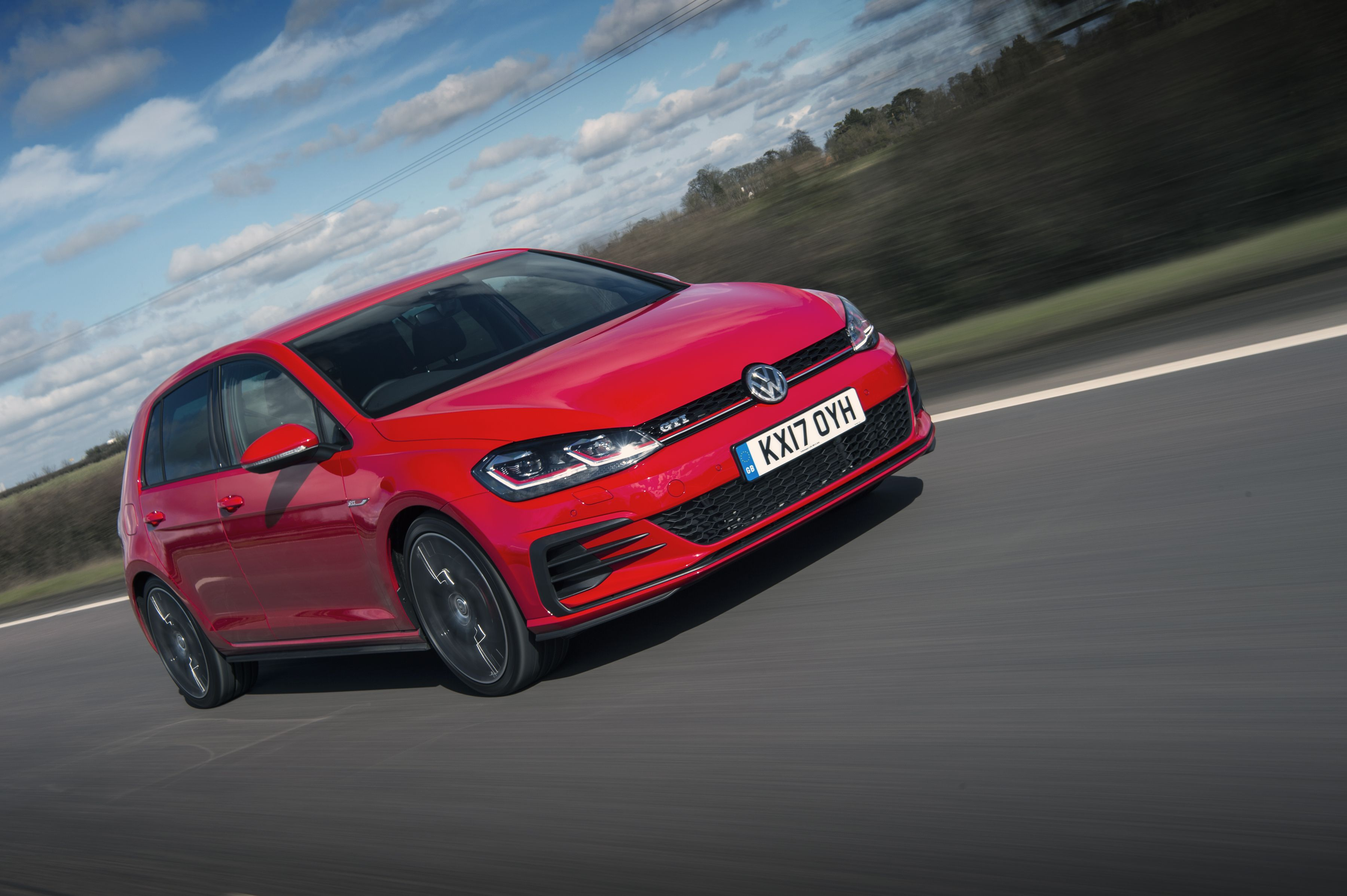 The Volkswagen Golf Gti Is Still One Of The Most Popular Hatchbacks On The Market Take A Look Online Volkswagengolf Germanca In 2020 Golf Car Volkswagen Golf Gti