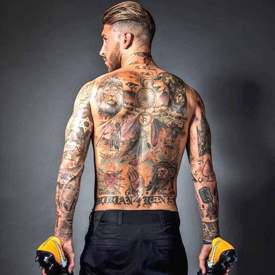 Pin von Erdem auf TATTOOS   Männer tattoo ideen, Tattoo