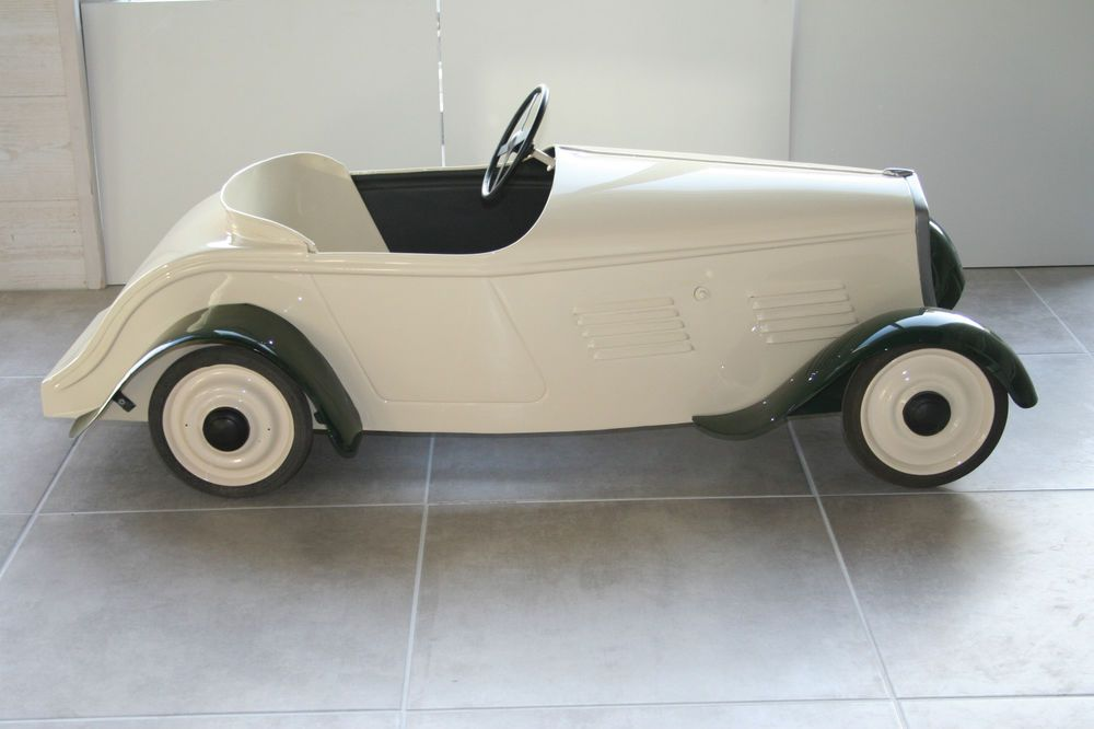 voiture a pedale eureka pedal car and cars. Black Bedroom Furniture Sets. Home Design Ideas