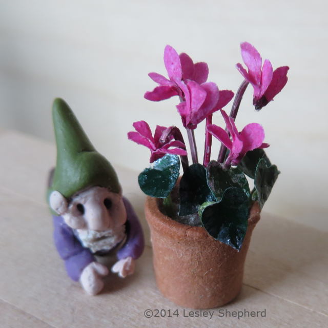 Make miniature plants and flowers for dolls house and model scenes make miniature plants and flowers for dolls house and model scenes mightylinksfo
