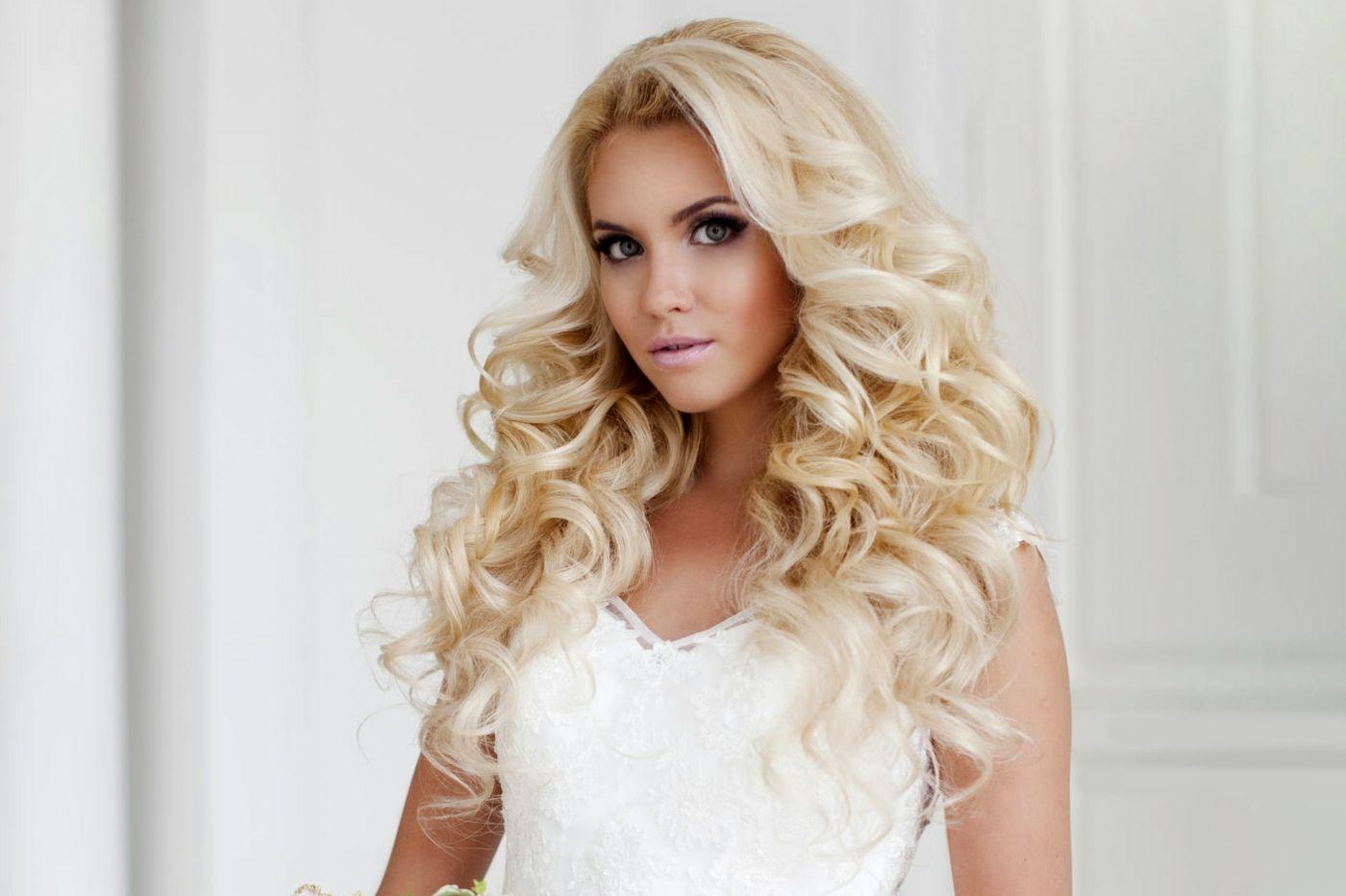 einfache #diy #brautfrisur mit #locken für blonde #haare