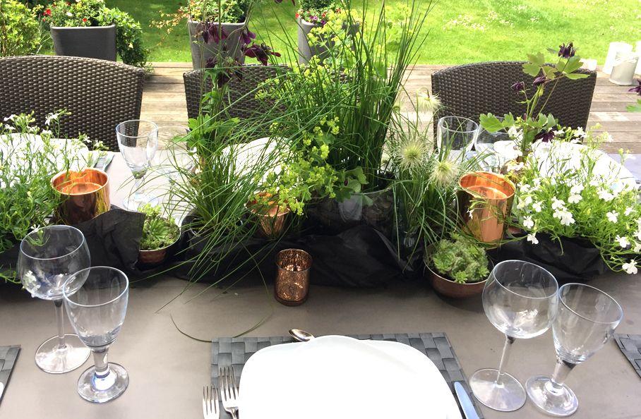 Photo of Kupfer und Schwarz sind eine tolle Farbkombination für den Gartentisch