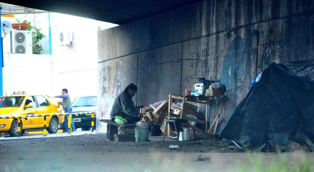 Resultado De Imagen Para Argentina Gente Durmiendo En La Calle Gente Durmiendo Fotos Argentina