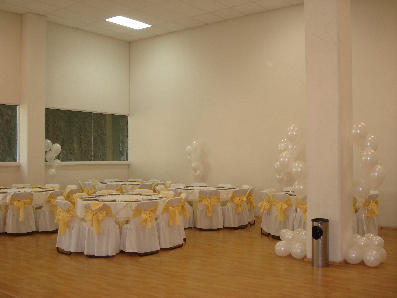 Bouquets de globos blancos para bodas decoraciones con for Decoracion con globos 50 anos
