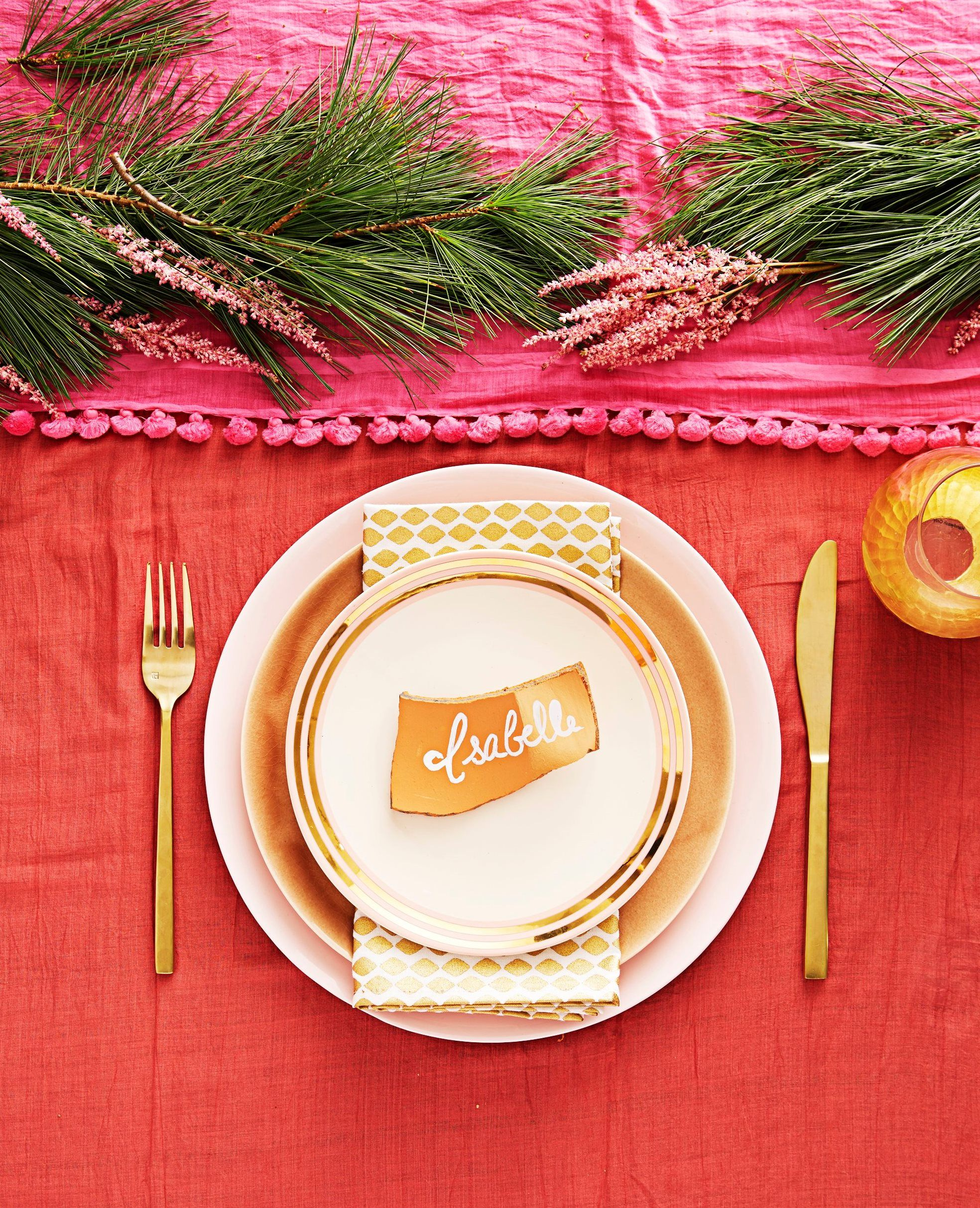 9 stunning and stylish holiday tablescapes for Weihnachtsideen dekoration
