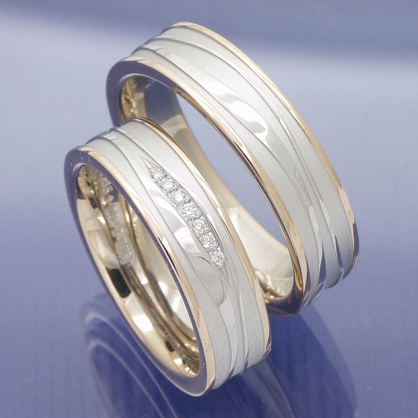 Moderne Trauringe 585 Rot Und Weissgold Einzigartige Trauringe Trauringe Ring Verlobung