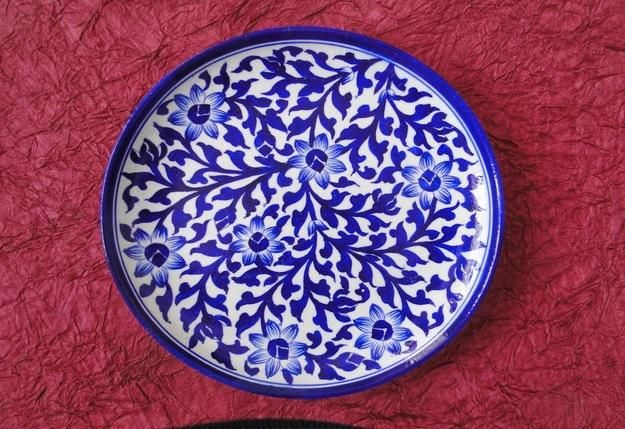 14 Irresistible Shopping Places In Jaipur You Should Not Miss Blue Pottery Pottery Pottery Plates